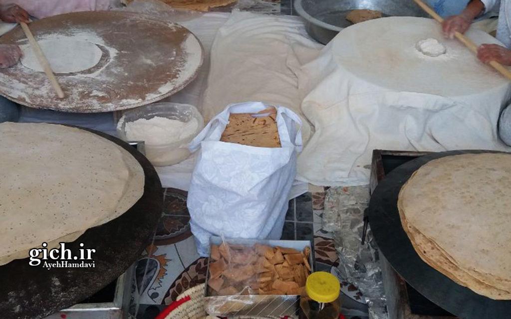 انواع نان و شیرینی سلامت، تهیه شده از آرد کامل با روش پخت سنتی، طراحی و دوخت کیسه پارچهای به جای کیسه پلاستیکی در نانوایی سلامت پز خانم فریدی - عکس از آیه حمداوی - مجله گیچ gich.ir